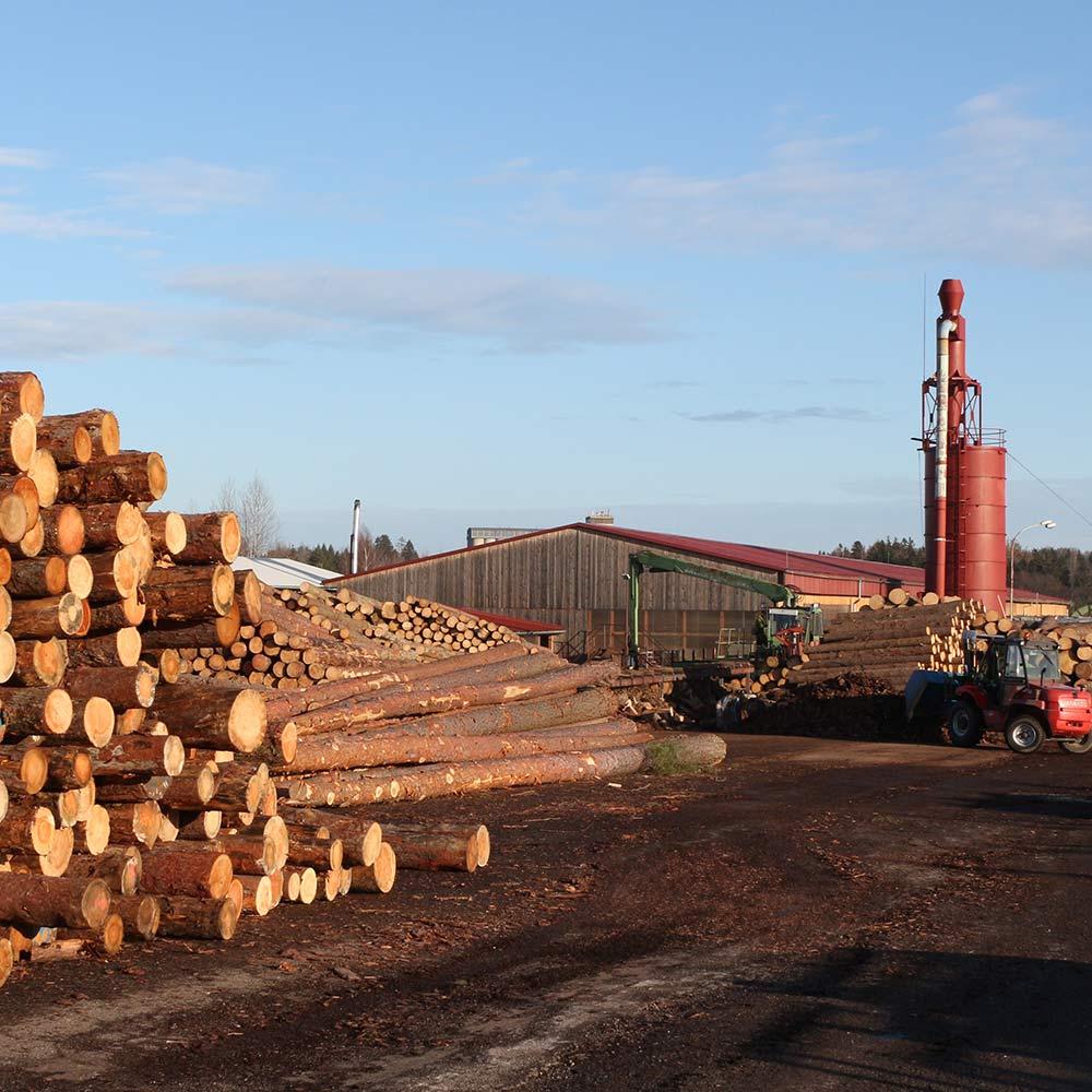 manipulace-dreva-sklad-kulatiny-pila-pribram
